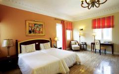 Jasmine Deluxe suite villa bedroom
