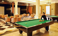 Indoor Activities: Play Pool Billard