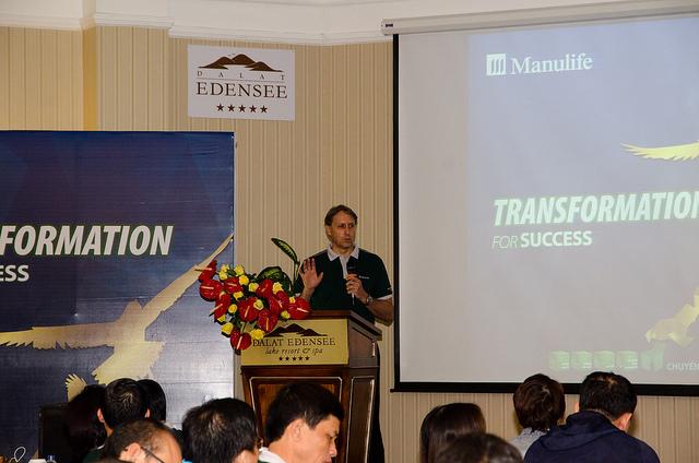Ông Kim Fleming Giám đốc Điều hành Hệ thống Đại lý